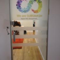 דלת כניסה למשרד 1