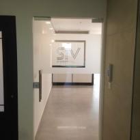 דלת כניסה למשרד 7